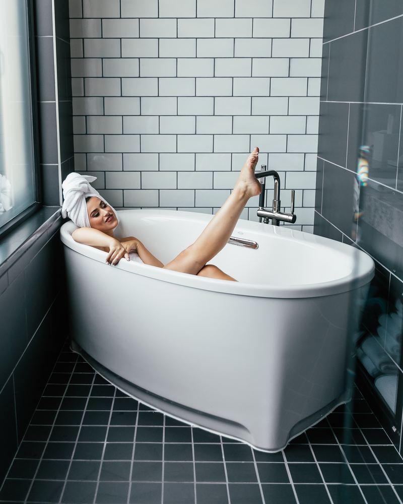 Få luksus tilbage i hverdagen med emaljering af badekar