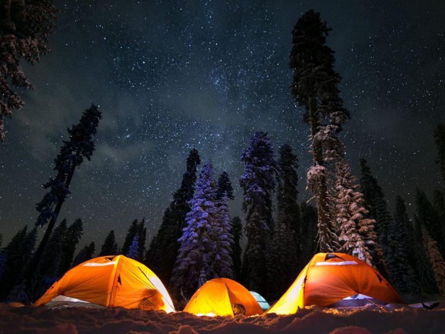 Camping er en god måde at samle hele familien